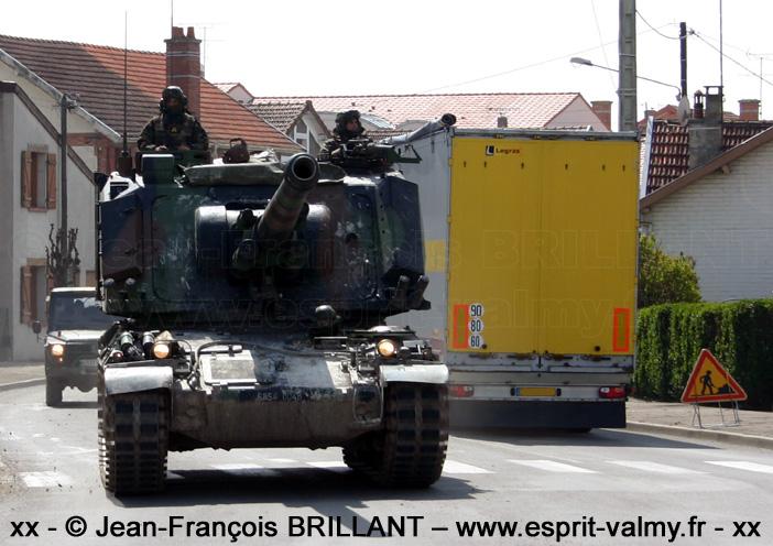 6854-0048 : canon automoteur de 155mm modèle F1 (155 Au F1), 8e Régiment d'Artillerie ; 2008