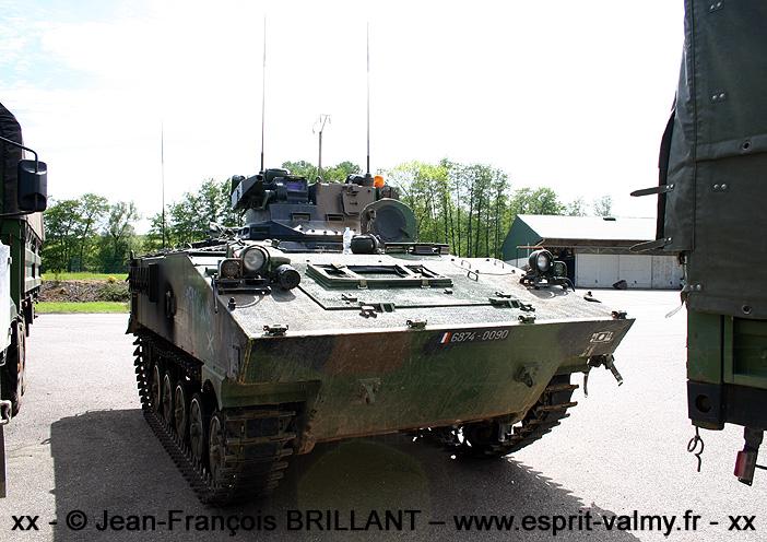 6874-0090 : AMX10 VOA (Véhicule d'Observation d'Artillerie), 8e Régiment d'Artillerie ; 2005