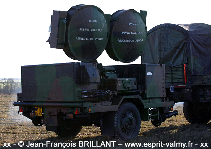 610-0988 : HPIR (High Power Illuminator Radar), 402e Régiment d'Artillerie ; 2005