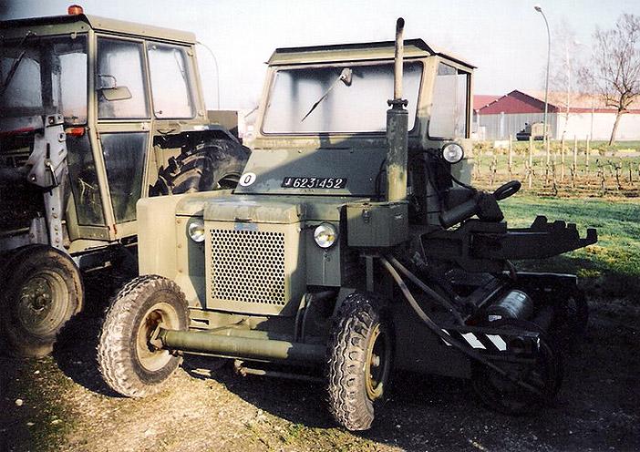 Trackmobile, 4 TMC, tracteur rail-route, 623-1452, 12e Base de Soutien du Matériel, Vayres ; 2001