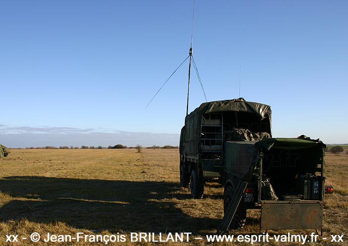 260-0877 : Remorque US 1 Tonne, constructeur inconnu, 402e Régiment d'Artillerie ; 2005