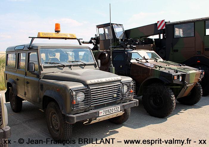 "Defender 110 Td4 2.4 ""Station Wagon"", radio 1 VHF, 7092-0122 ; Escadron de Défense Sol-Air 12.950 ""Tursan"""