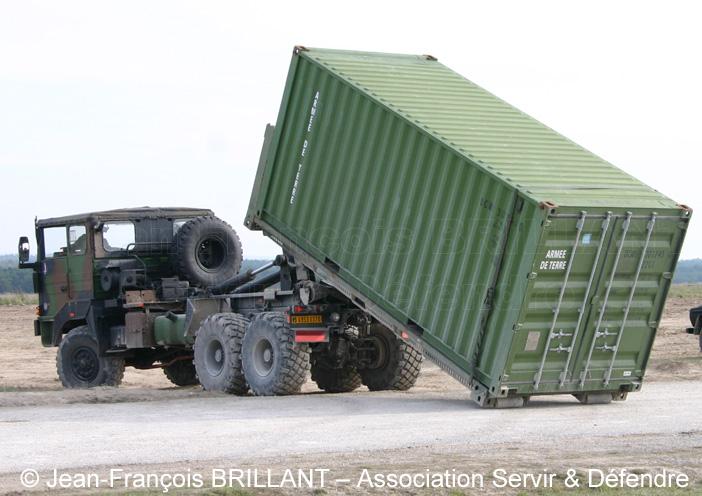 6953-0370 : Renault TRM 10.000 APD (A Plateau Déposable), 1er Régiment d'Artillerie de Marine ; 2006