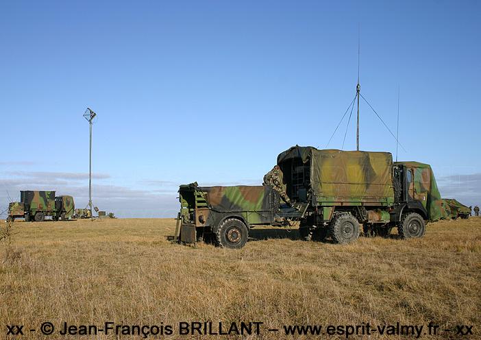 """TRM 2.000 """"radio"""", 6892-1198, 402e Régiment d'Artillerie ; 2005"""