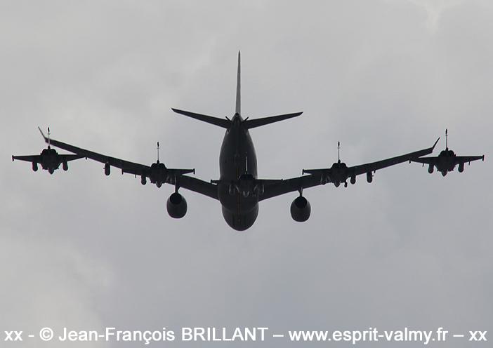 """A330 MRTT """"Phénix"""" et Rafale, Place de la Concorde ; 12 juillet 2021"""