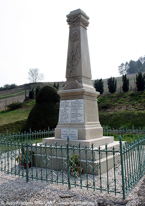 10 - Avirey-Lingey : le Monument aux Morts