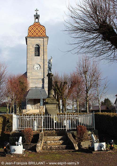 25 - Les Fournets-Luisans, Monument aux Morts de Grandfontaine-Fournets